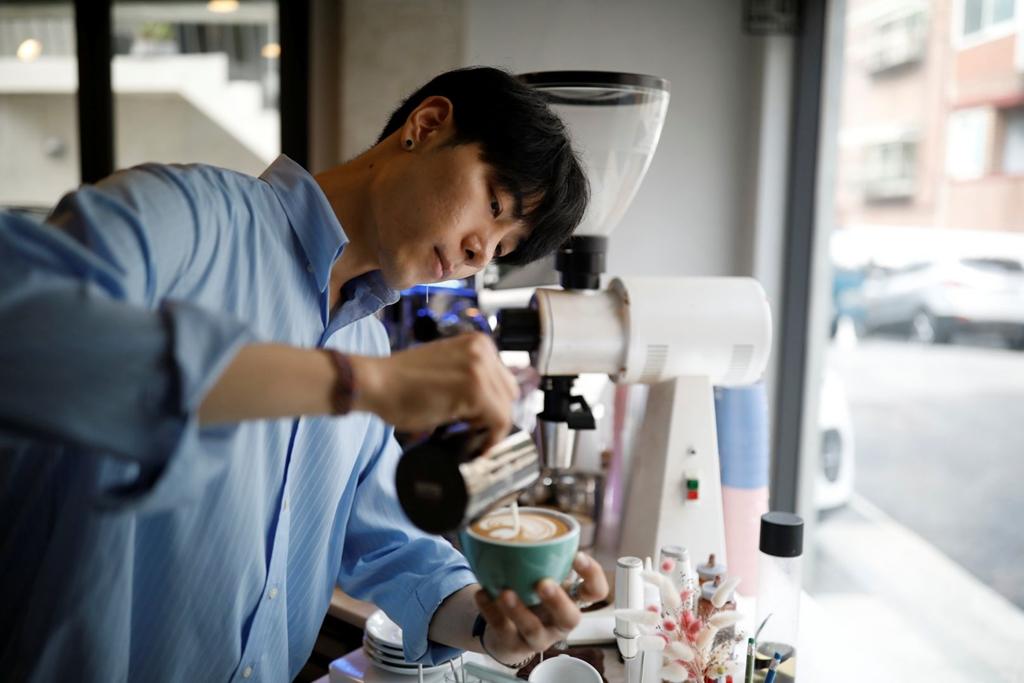 barista Lee Kang-Bin